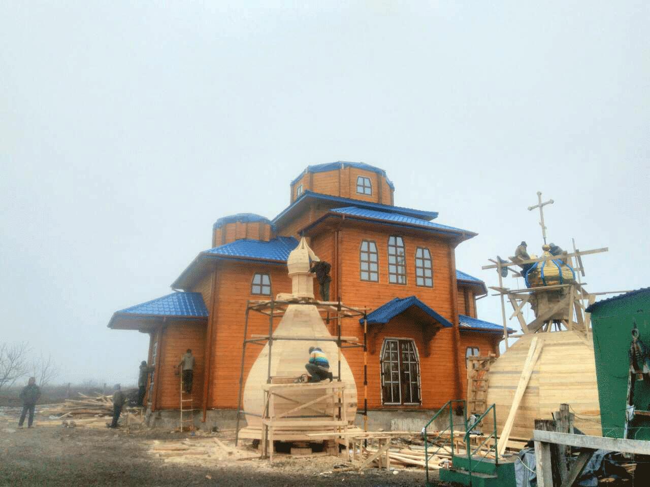 Збудували церкву у Волновасі